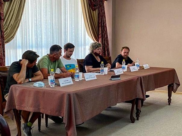 В Краснодарском театре драмы прошла пресс-конференция, посвященная началу лаборатории «Достоевский....