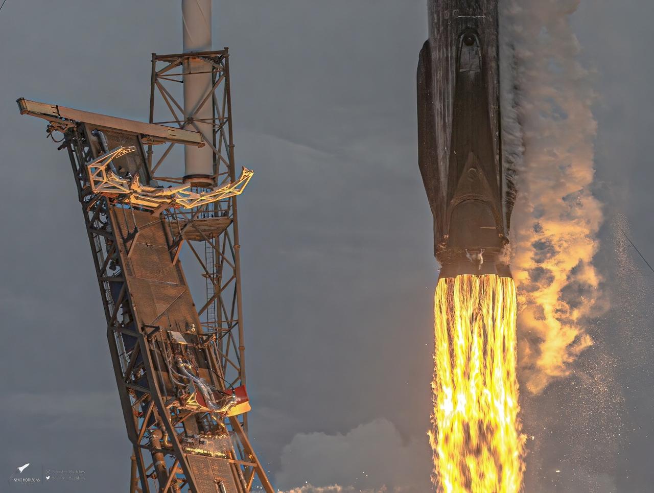 Впервые частная компания SpaceX стала мировым лидером по орбитальным запускам в...