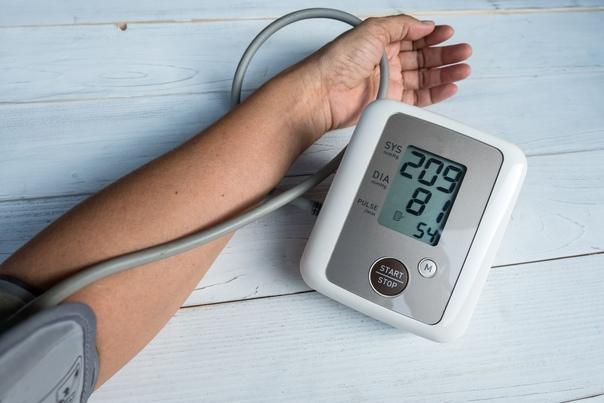 Вечером повышается давление - Вопрос кардиологу - 03 Онлайн