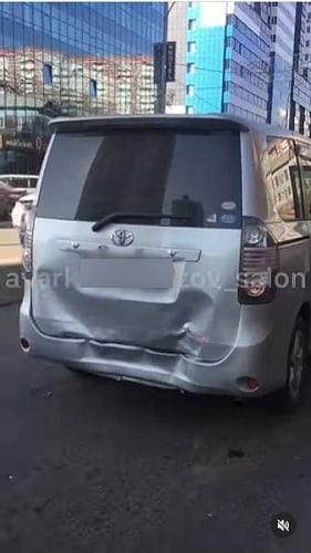 В центре Улан-Удэ виновница аварии скрылась с места ДТП  Женщину сейчас разыскивают ... [читать продолжение]