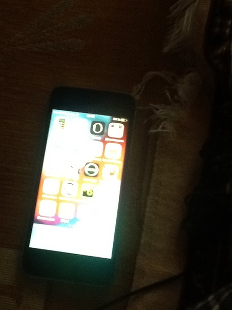 Продам айфон 5 s 16 ГБ цена 3800 р без торга все работает