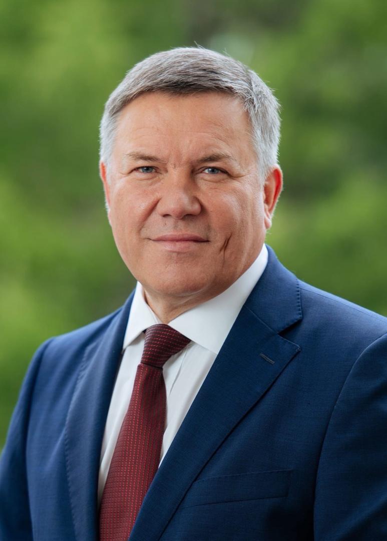 Губернатор области О.А. Кувшинников