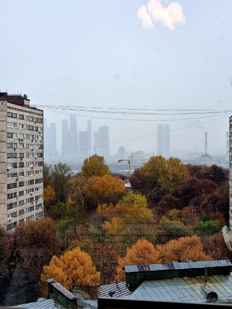 Нереальный вид из окна дома на Ленинском проспекте, 42 к2...