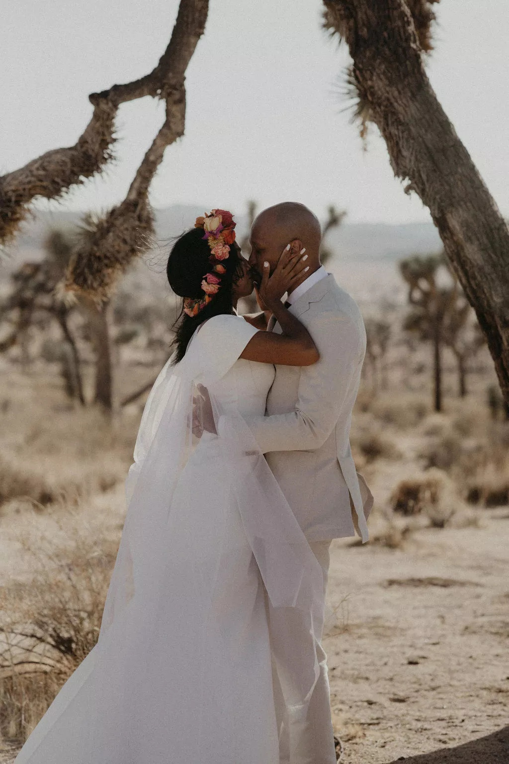 CaeGc3FkntI - Найти свадебного ведущего оказалось проще простого