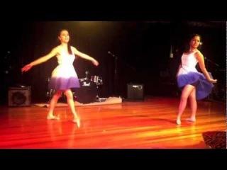 Café Casula 2012 - Alena & Nicole (Dancing to Halo - Beyoncé)
