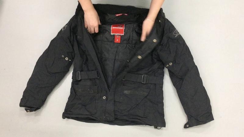 м136. Куртки мужские 1 сорт. Упаковка 20,22 кг. Цена 450 руб/кг. С/с 479 руб/шт. Количество 19 шт. Цена упаковки 9100 руб. Ангелина 8-912-666-07-72