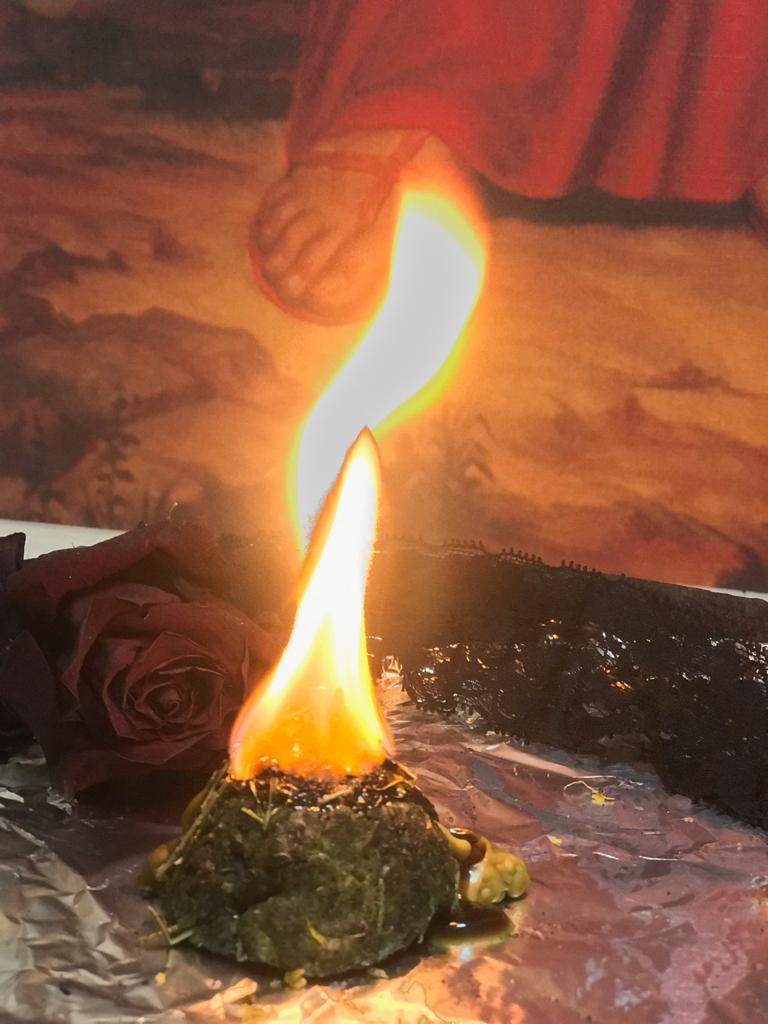 Ведьмина свеча с обращением к Велесу и Сварогу  VqAa2gzPkgM