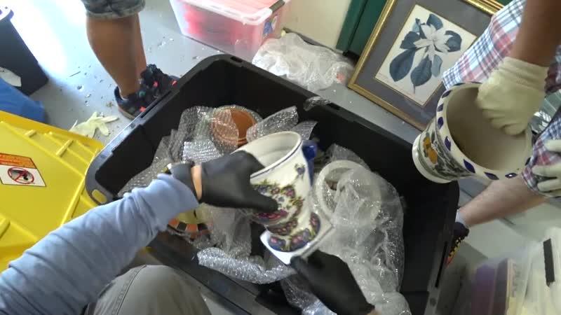 АУКЦИОНЫ КОНТЕЙНЕРОВ В США Китайские скульптуры из камня Китайские вазы Стоит дорого Искусство в брошенном контейнере