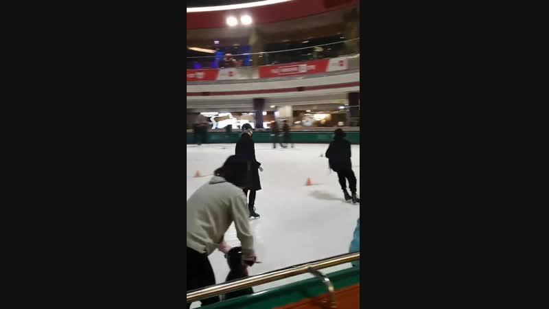 지민 정국 스케이트도 완전 잘 타 ㅠ 도대체 못하는게 뭐야 ㅠ 손 떨려 ㅠ 너무 놀랐어요 ㅠ manofperfection JIMIN