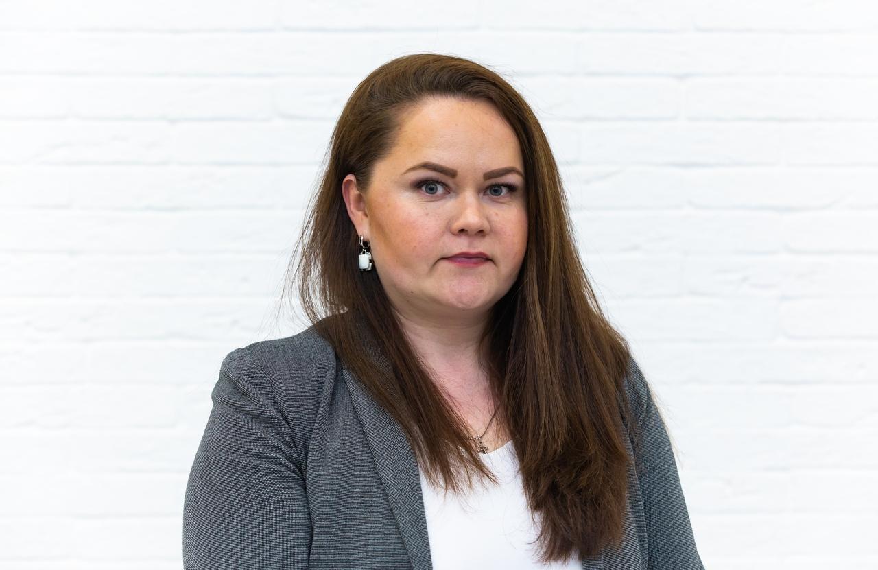Поромова Татьяна Николаевна - начальник отдела кадрового и правового обеспечения