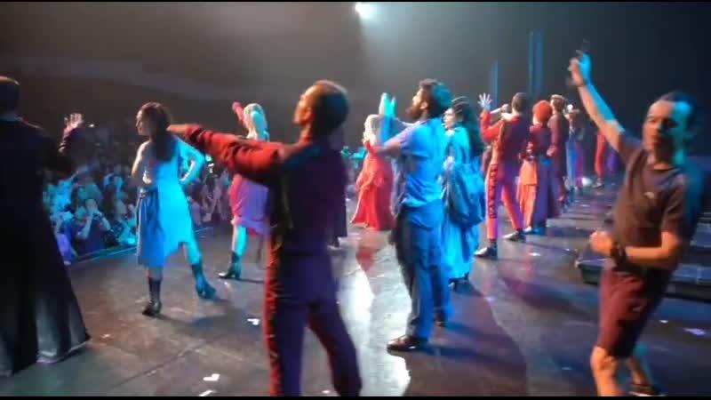 Avoir 20 ans Les rois du monde (rappel 11.8.2019, видео от Лорана Фалькона)