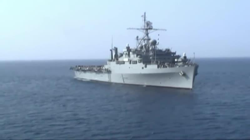 Десантный корабль ВМС США USS Fort McHenry LSD 43 в Черном море