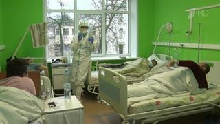 Самыми действенными средствами профилактики коронавируса остаются маски и перчатки.