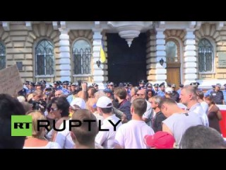 Ukraine: Right Sector target police chief after concert ruckus
